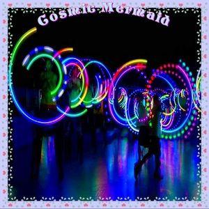 🆕💙LED Glowing Performance Dance Balls💙Set of 2